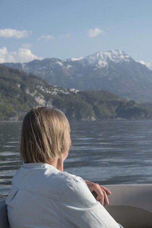 Mietboot Luzern mit Blick auf das Stanserhorn